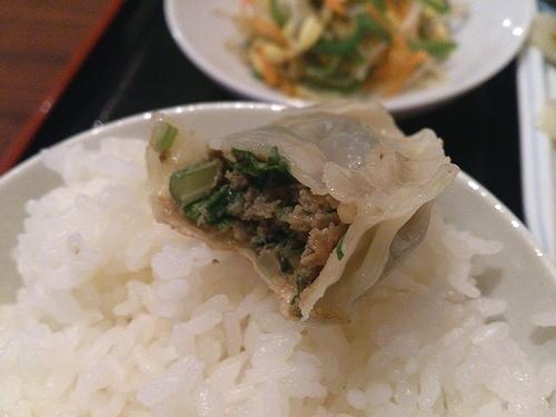餃子定食(牛肉+セロリ)